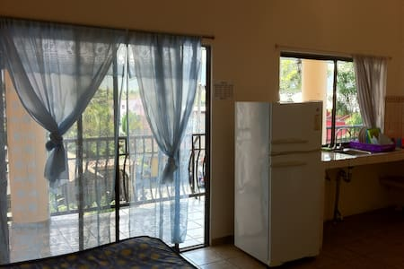 4-6 People Apartment - Jaco Center
