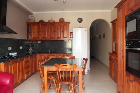 New apartment Marsalforn Bay Gozo  - Pis