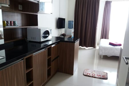 STUDIO - WALK TO MALL & TAXI STAND - Apartemen