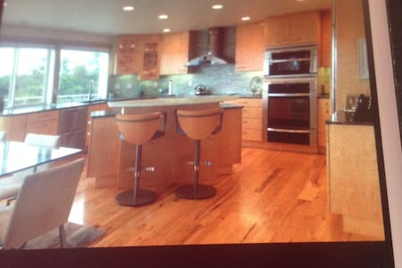 Contemporary living in Surf Pines ! - Warrenton - House