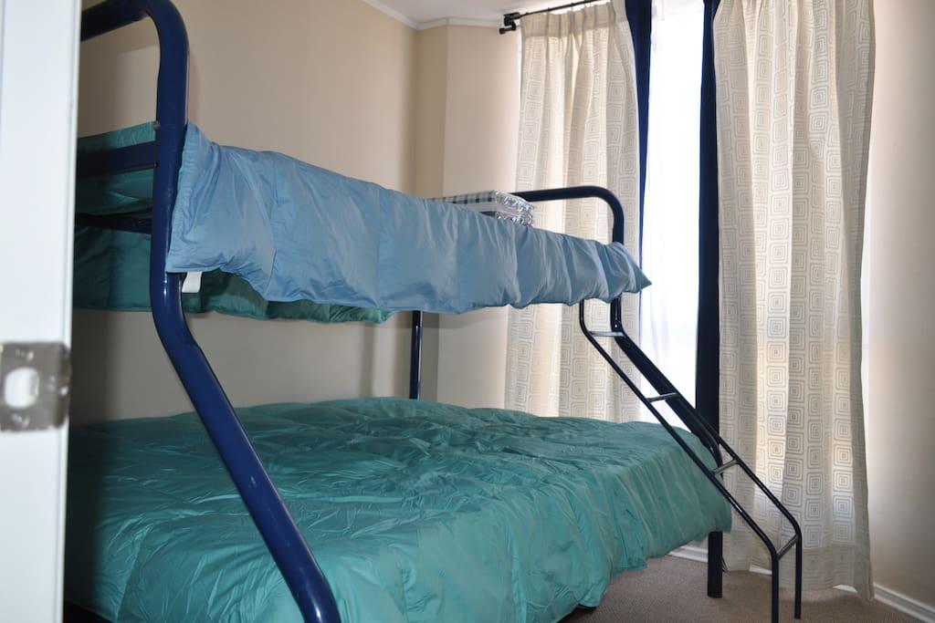 Camarote: Cama de 1 1/2 plaza y cama de 2 plazas.