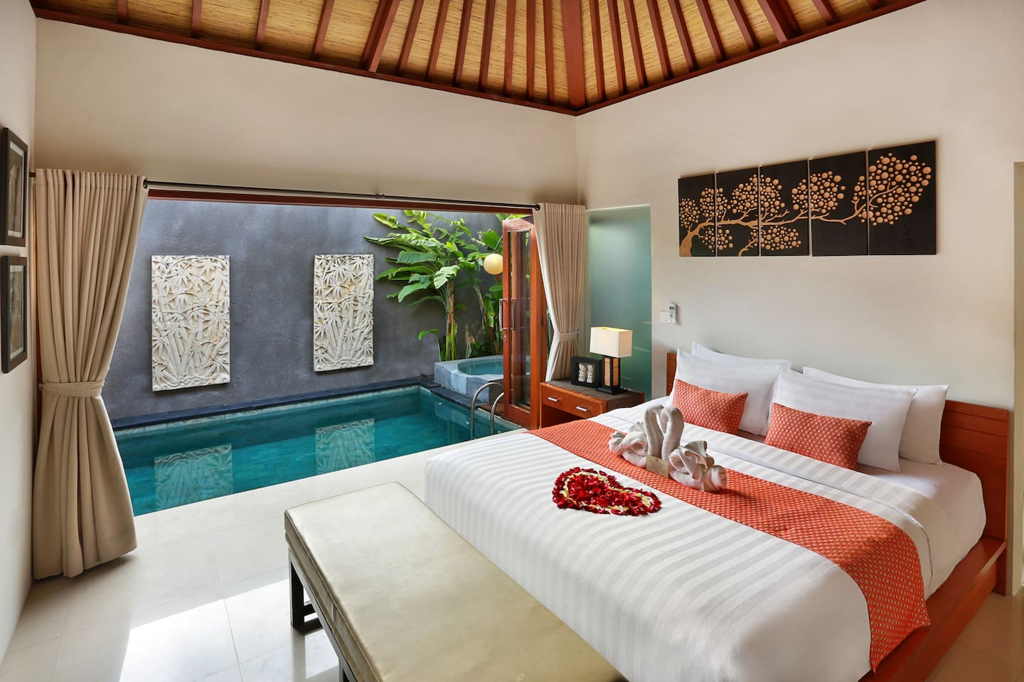 One Bedroom Villa with Private Pool and Jacuzzi