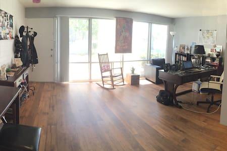 Homey Scottsdale Apartment - Apartment