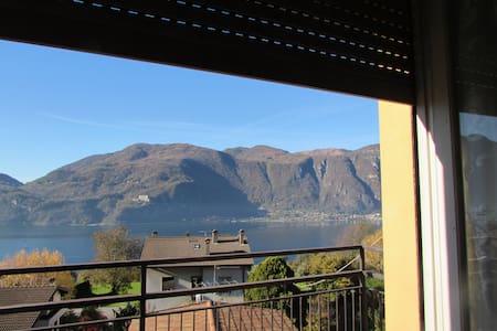 apartament with  balcony beautiful view - Huoneisto
