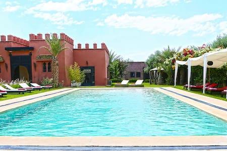 Chambre Villa Coco Canel - Casa de huéspedes
