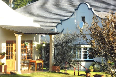 Petras Country Guesthouse - Bed & Breakfast