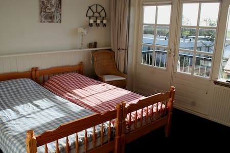 Room type: Private room Property type: Bed & Breakfast Accommodates: 2 Bedrooms: 1 Bathrooms: 1.5