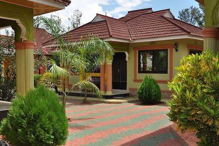 Kili cottages Moshi - Villa