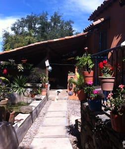 Charming Casa Carmenet  - Haus
