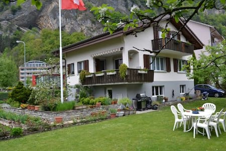 3 - Zimmerferienwohnung Interlaken - Appartement