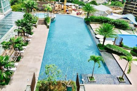Penang Island Seaview Luxury Condominium - Appartement en résidence