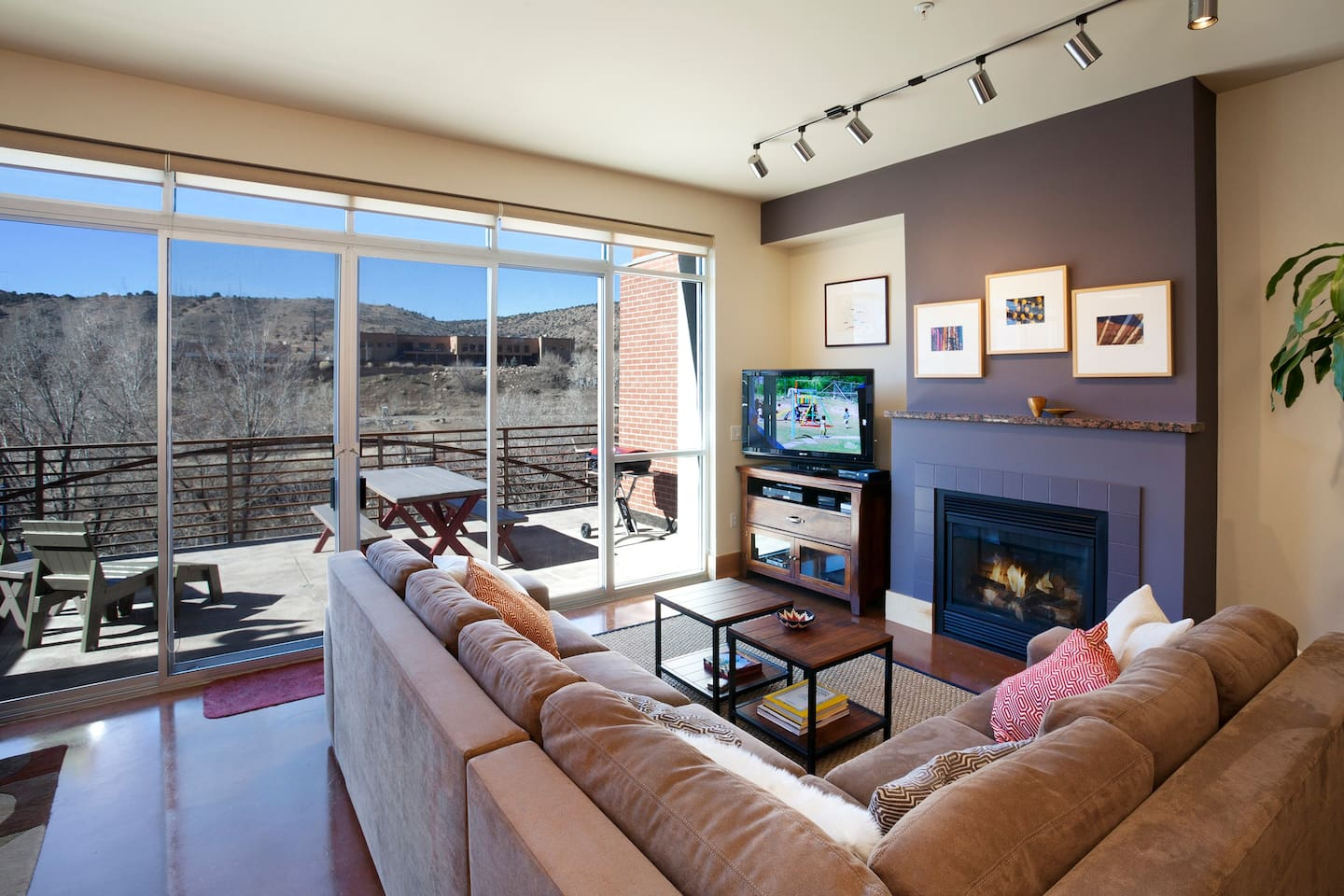 Relaxing and comfortable living area with views overlooking the Animas River and La Plata Mountains.