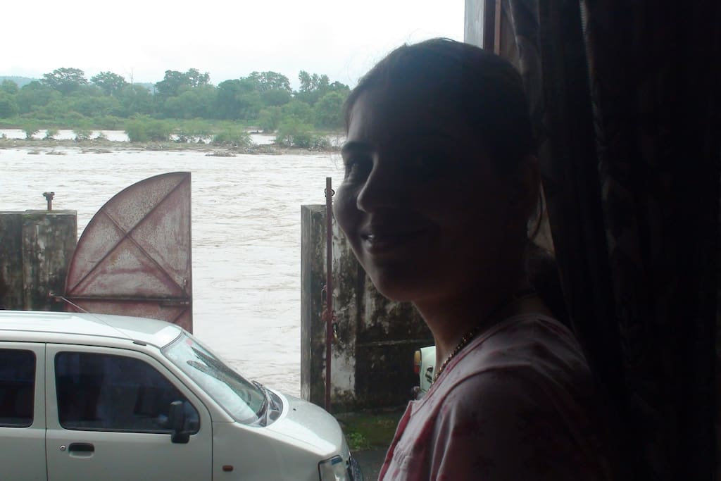 THIS PHOTO IS TAKEN FROM THE ENTRANCE OF THE HOUSE. THE GHAT AND RIVER GANGA ARE CLEARLY VISIBLE