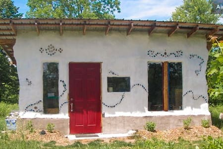 The Dacha - Sustainable Homestead - Freeville - Casa
