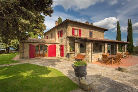 Villa with pool, hilltop, Chianti - Villa