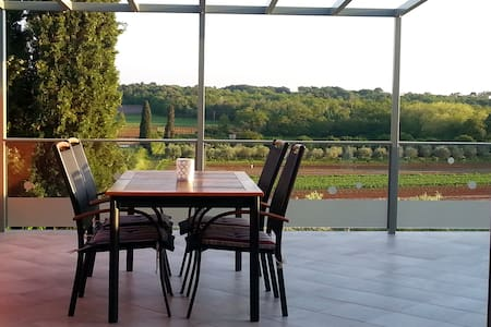The joy of olive: new, comfortable, gorgeous view - Apartament