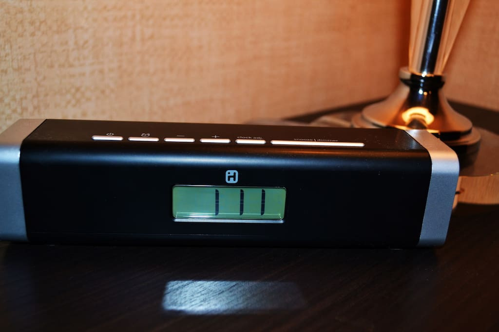 Clock and Dock: Zoned for USB porting