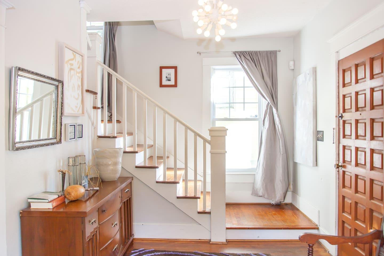 foyer to upstairs