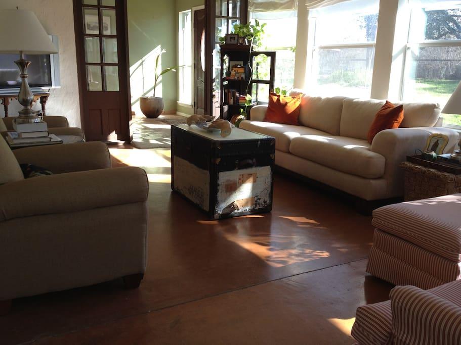 Charming Home in Austin- Sleeps 4
