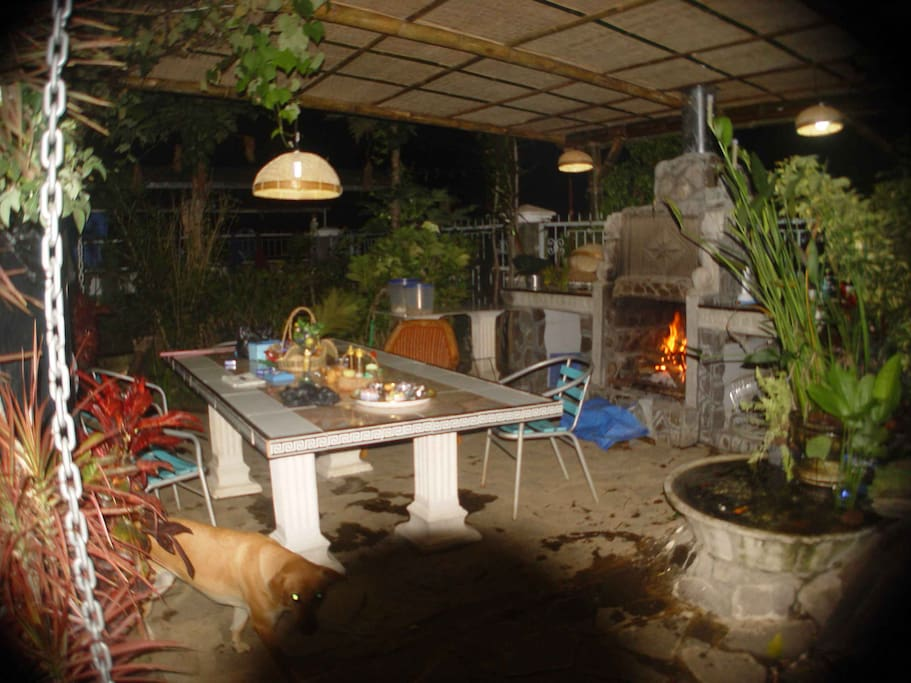 restaurant-terrasse-with open fire