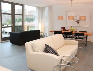 Penthouse Gym Room + Sauna +Jacuzzi - Oud-Beijerland - Huis