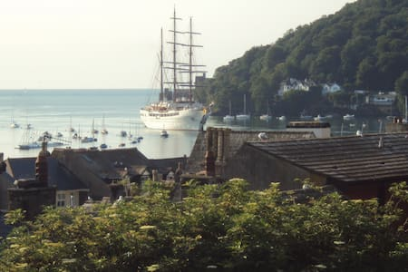 Victorian Town House - Superb views - Dartmouth - Bed & Breakfast