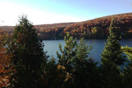 La plus belle vue sur le Lac Bowker - Orford - Huis