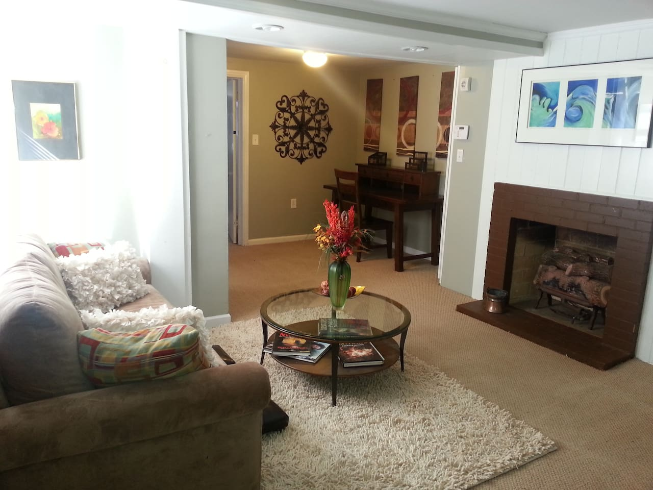 Nice living area with HDTV and desk for working. Cable with HBO, Showtime, Cinemax and more. Cable internet.