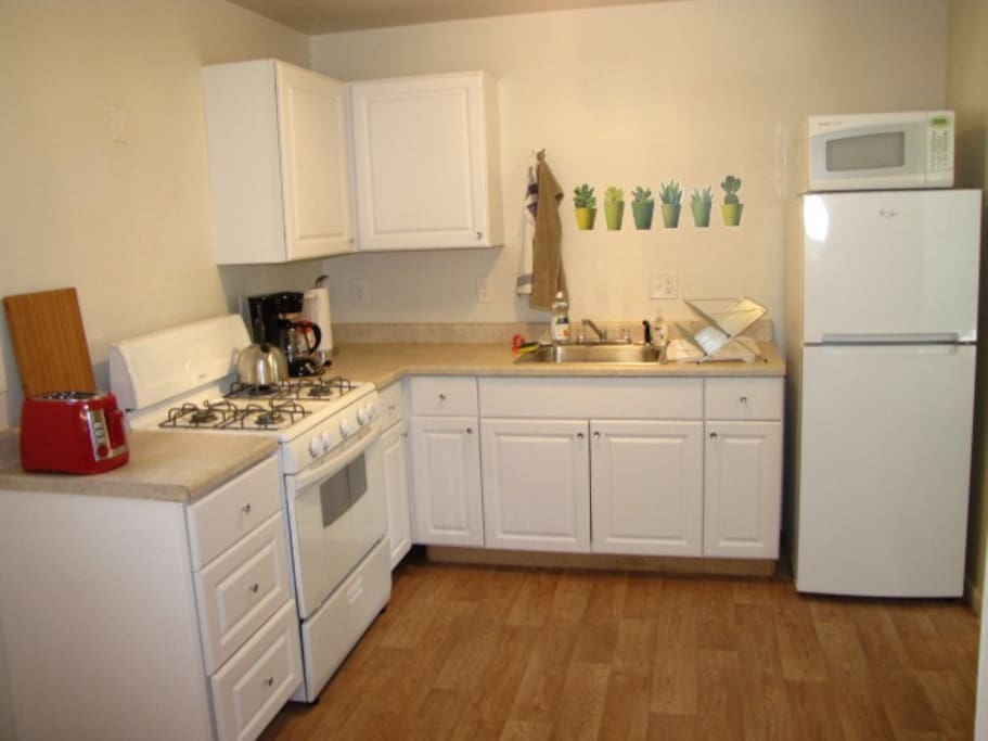 Fully equipped kitchen. We provide morning coffee or tea.
