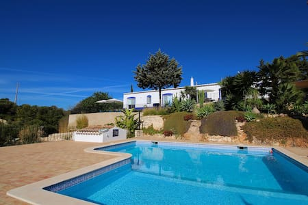 Villa Diane, Luxury Cottage, Ocean views, 2 Bedrooms, Sleeps 4, Air-con, BBQ & Shared pool - Andere