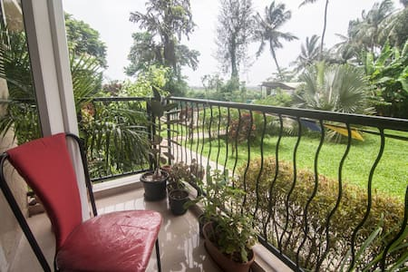 Naturally well-lit ground-floor apartment - North Goa - Apartment
