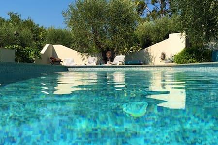 Loft Ouliva 3 P- piscine chauffée - Saint Martin du var - Casa