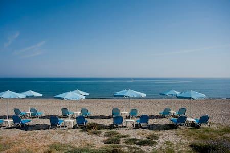 Hotel Caretta Beach Studio - Daire