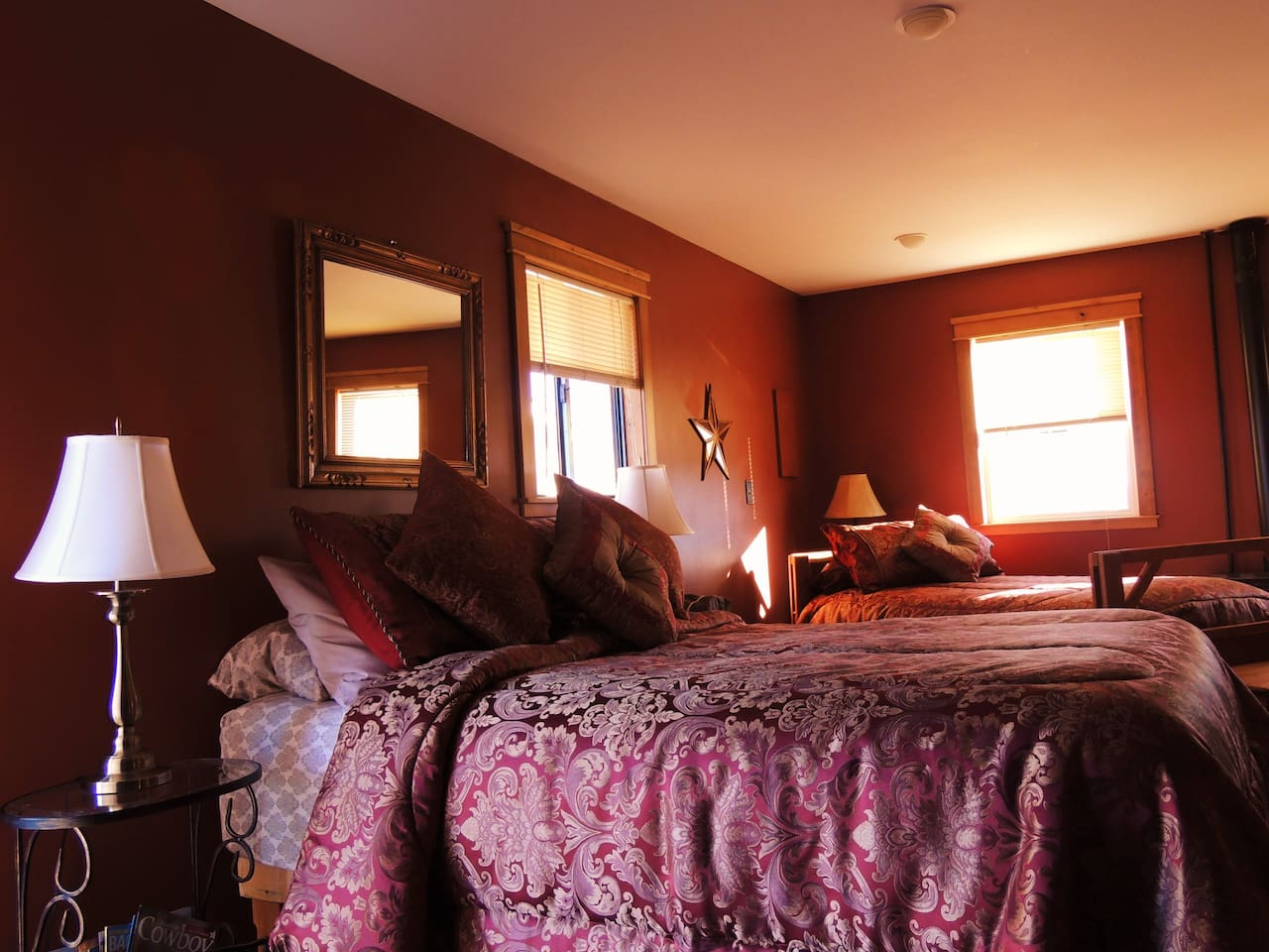 Queen size and twin sleeping areas