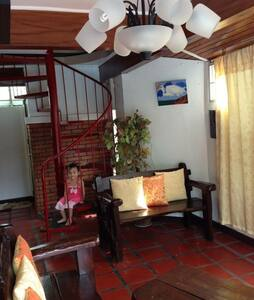 CMC Santa Rosa Rest house With pool - Guesthouse