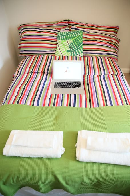 High speed WiFi internet available IN ROOM! Fresh clean towels provided for each guest, gratis!