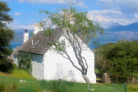 Comfortable West Highlands cottage - by Shieldaig - Hus