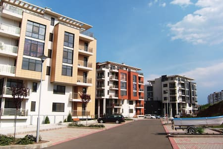 Апартамент в закрытом комплексе - Burgas