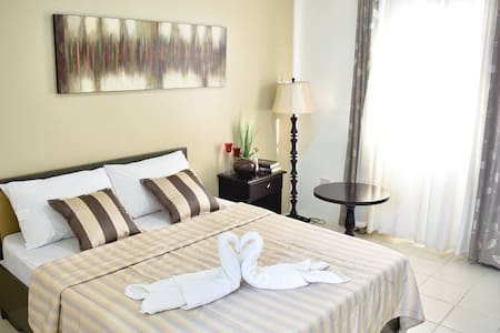 Deluxe Double Room - San Leonardo, Nueva Ecija - Bed & Breakfast