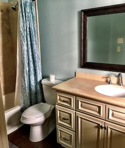 Historic Bywater Retreat- Miatri Suite - Maison