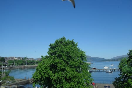 Sunny room with stunning views - Gourock - Appartement