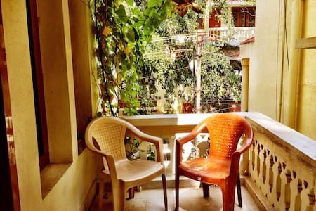 Hip & central apt with spacious balcony, amenities - Bangalore