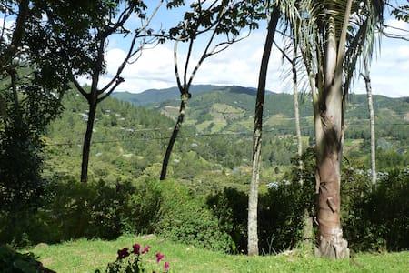Casa en el Bosque ( El Retiro Antioquia) - Medellín