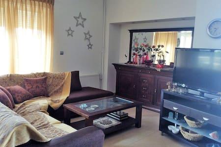 Sunny 3-bedroom apt in beautiful neighborhood - Alexandroupoli - Lägenhet