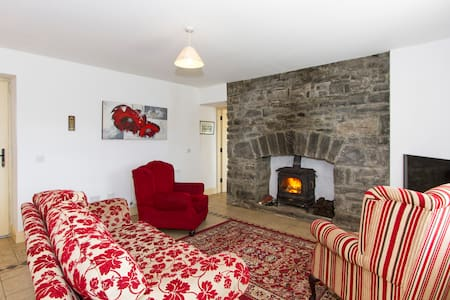 Old Stone Loft Cottage Ballyglass. - Mayo Abbey