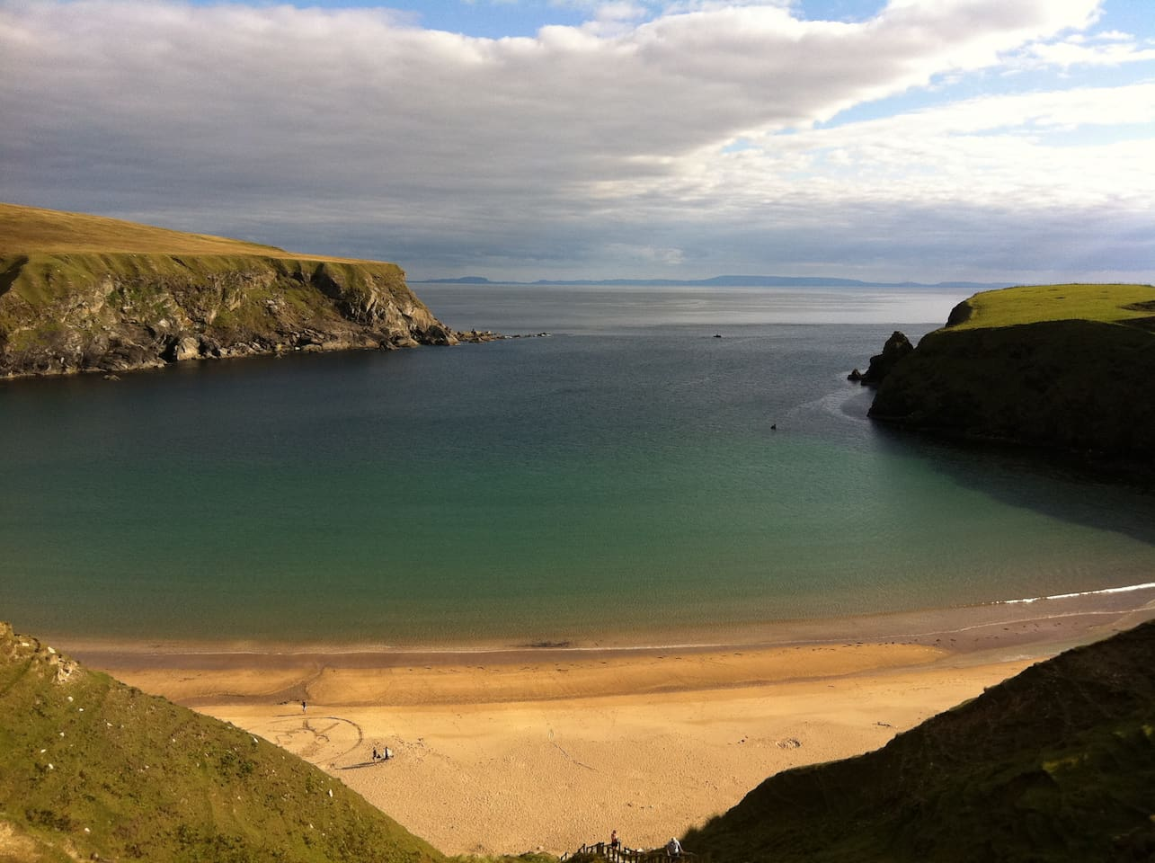 The World Famous Silver Strand Beach....3 min walk from your door!!!!