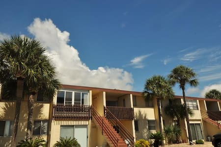 Sea Palm/ Sleeps 6 Pet Friendly! - Fort Walton Beach - Condominium