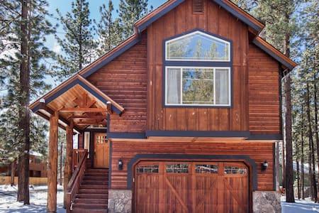 Near HEAVENLY, CASINO, walk to LAKE - South Lake Tahoe - House