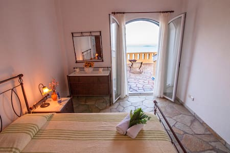 Traditional Bed&Breakfast on Corfu Trail - Spartilas