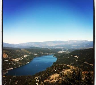 Donner Lake Retreat - Loft-asunto